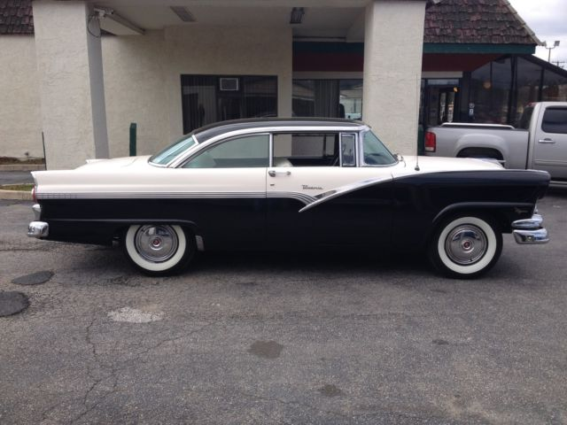 Ford Fairlane 2 Door Hardtop 1956 black to white For Sale