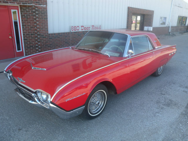 Ford Thunderbird Coupe 1962 Red For Sale 2y83z101780 1962 Ford Thunderbird Red And White