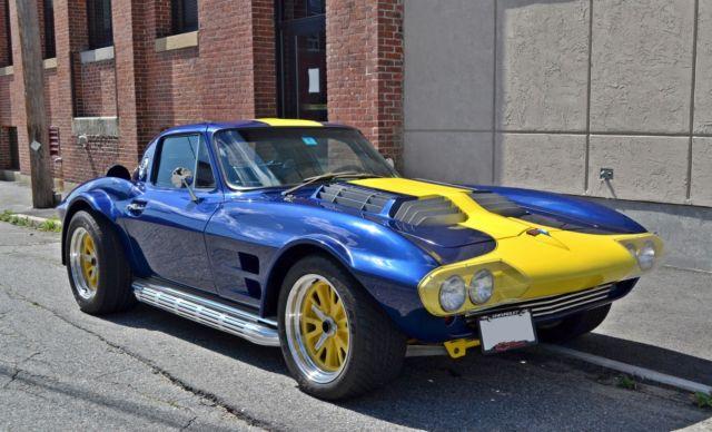 chevrolet corvette 1963 blue w yellow stripes for sale ddgs066 1963 chevrolet corvette grand sport. Black Bedroom Furniture Sets. Home Design Ideas