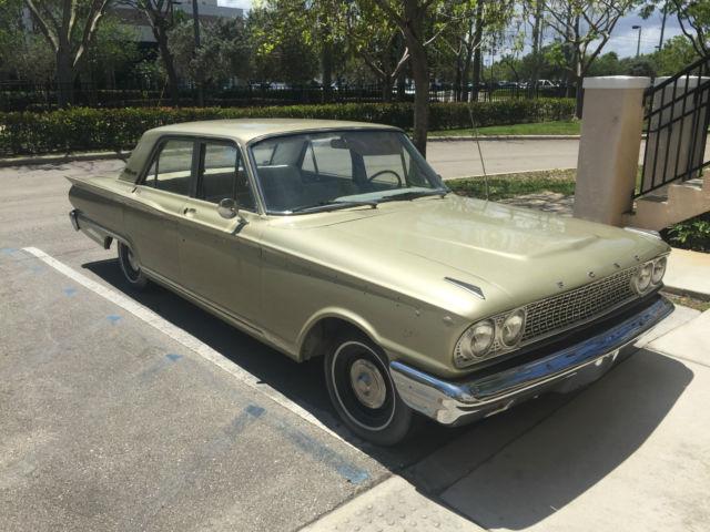 Ford Fairlane Sedan 1963 Gold For Sale  3K42L118664 1963