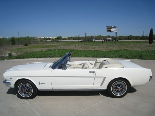 1964 1 2 Ford Mustang Convertible 289 W 4 Sd Pony Interior