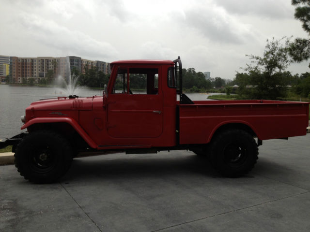 Toyota Land Cruiser pickup w/ long bed 1966 FREEBORN RED For