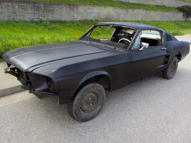 1967 Ford Mustang Fastback Project Car For Sale: Ford Mustang Fastback 1967 Black For Sale. 7F02S209xxx