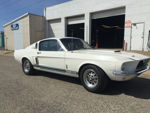 Shelby GT350 Fastback 1967 Wimbledon White For Sale  1967