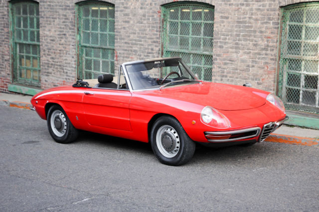Alfa Romeo Duetto Roundtail Spider Veloce on 1994 Alfa Romeo Spider Veloce