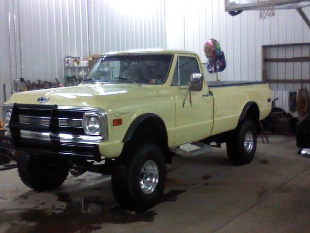 chevrolet c k pickup 2500 8 39 fleet side 1969 yellow for sale 123456789 1969 chevy truck 4x4. Black Bedroom Furniture Sets. Home Design Ideas
