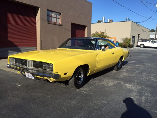 dodge charger hardtop 1969 yellow for sale xp29g9b398696. Black Bedroom Furniture Sets. Home Design Ideas