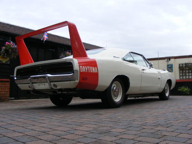 dodge daytona coupe 1969 white red for sale xs29l9b38 1969 dodge charger daytona r t 518. Black Bedroom Furniture Sets. Home Design Ideas