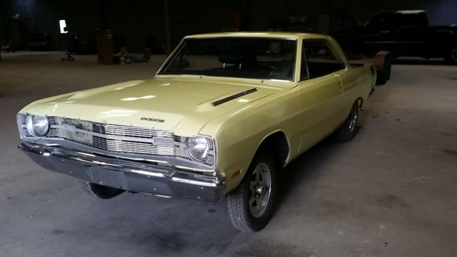 Yellow 1969 dodge swinger Vision was