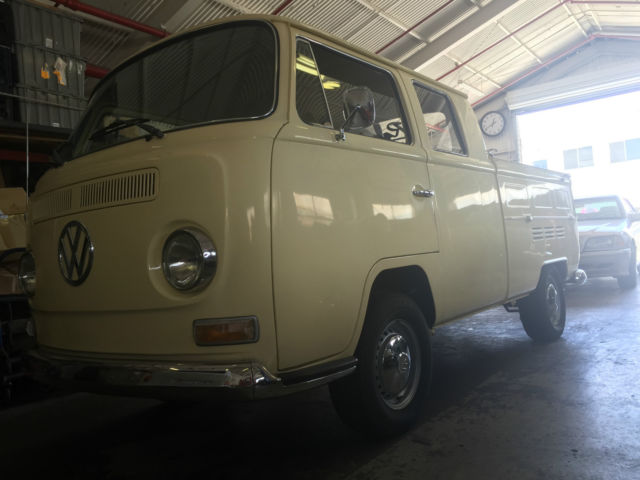c974dcbb00 Volkswagen Bus Vanagon Double Cab pick up bay window 1969 pail yellow For  Sale. 1969 volkswagon double cab pick up