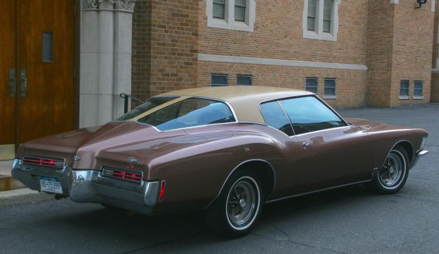 Buick Riviera 2 Door Boat Tail Coupe 1971 Copper Mist For