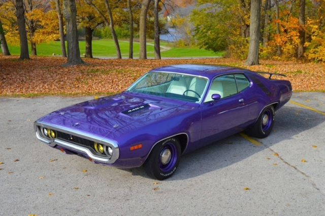 Plymouth Road Runner 1971 Purple For Sale Rm23v1g123456