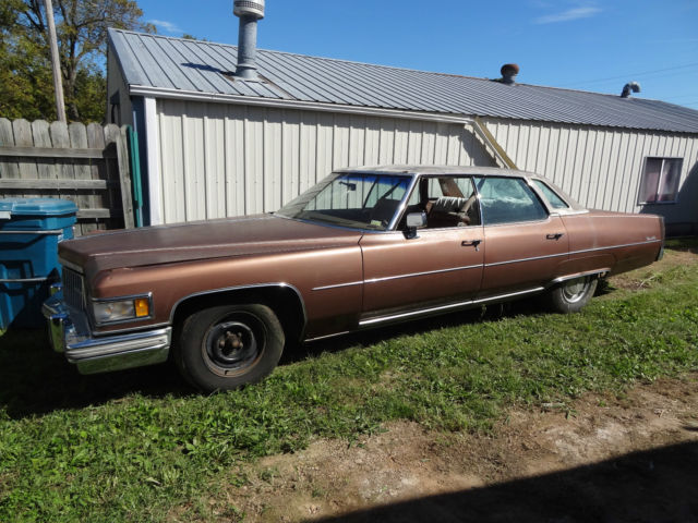 Cadillac DeVille Sedan 1975 Brown For Sale. 1234567notcorrect 1975