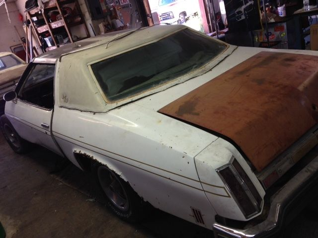 Oldsmobile Cutlass Coupe 1975 White For Sale  3J57T5M249980