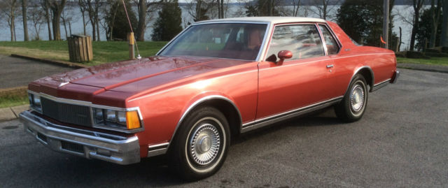 Chevrolet Caprice Coupe 1977 Firethorn Red with white vinyl top For