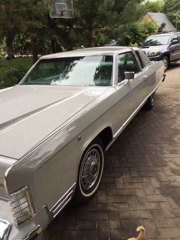 Lincoln Continental Coupe 1977 Silver For Sale  7Y81A896524