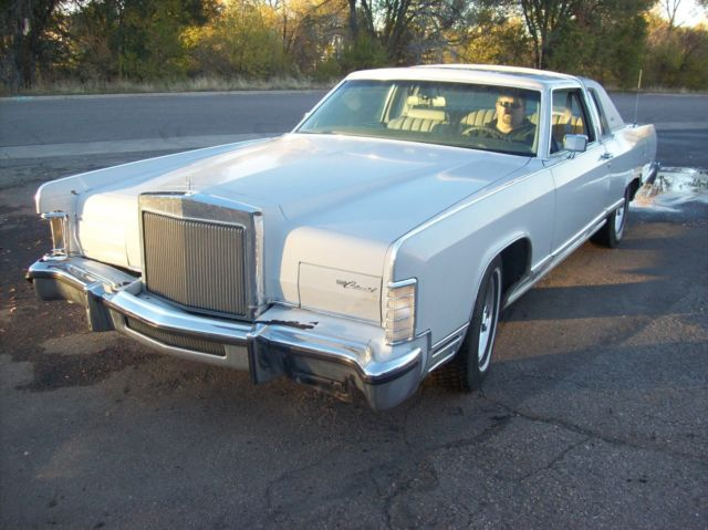 Lincoln Continental Coupe 1977 White For Sale  7Y81A944586