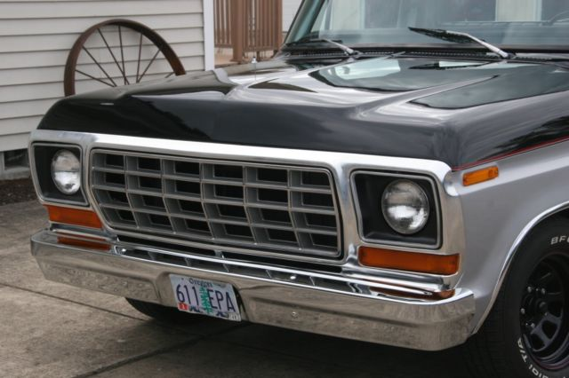 Ford F-100 Standard Cab Pickup 1978 Onyx Black and Silver ...