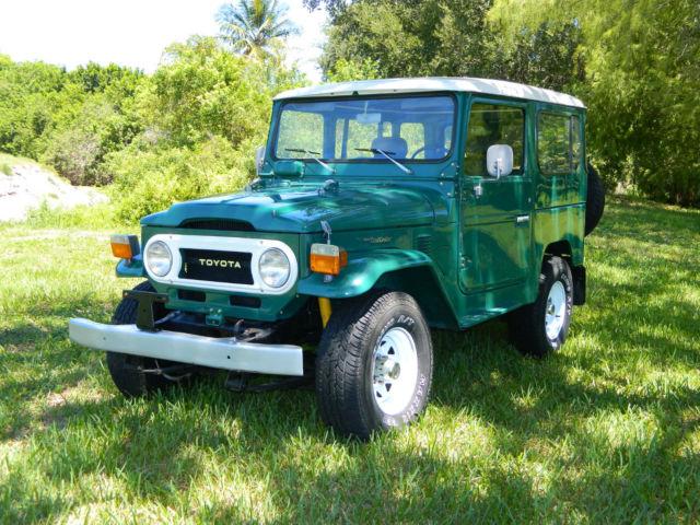 Toyota Land Cruiser Hatchback 1978 Green For Sale FJ40268247 Restored FJ40 FJ Landcruiser BJ40 BJ 40 Series HJ40