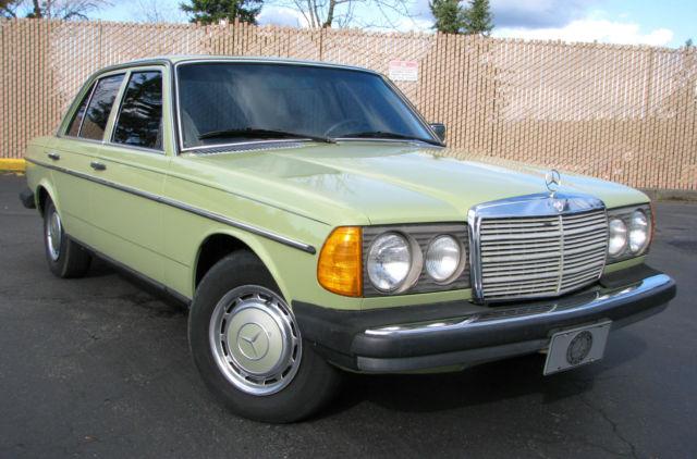 Mercedes Benz 300 Series Sedan 1979 Avocado Green For Sale 12313012115422 300D