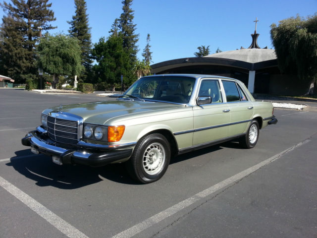 Mercedes benz 300 series sedan 1980 light metallic green for Mercedes benz 300 diesel