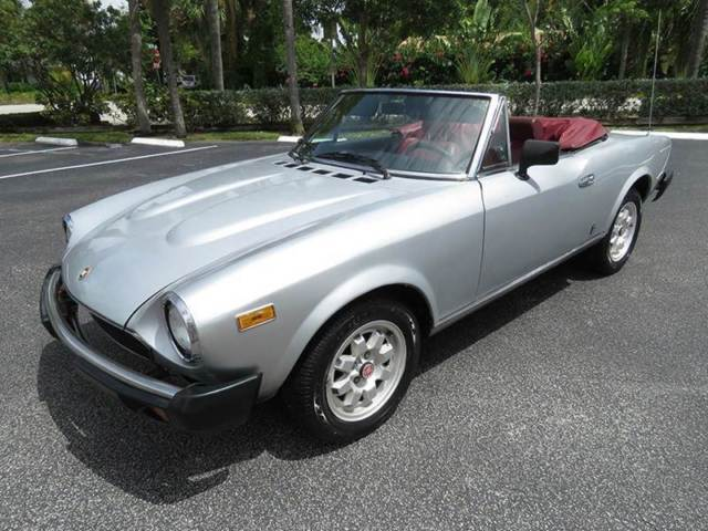 fiat 124 spider convertible 1982 silver for sale zfaas00b1c5003150 1982 fiat 124 spider nice. Black Bedroom Furniture Sets. Home Design Ideas