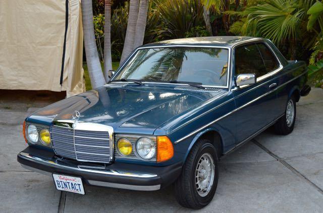 Mercedes-Benz 300-Series Coupe 1982 Lapis blue MB color code