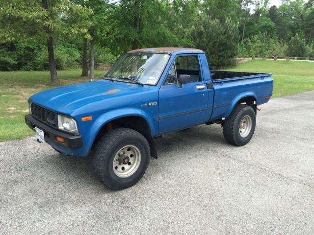 toyota pickup standard cab pickup 1982 blue for sale. Black Bedroom Furniture Sets. Home Design Ideas