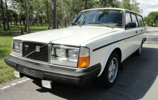 volvo 240 wagon 1983 white for sale yv1ax4758d1443144. Black Bedroom Furniture Sets. Home Design Ideas