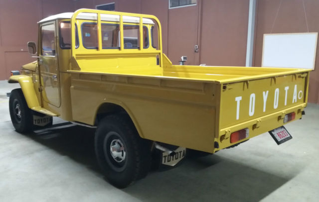 Ammco bus : Landcruiser hj47 restoration