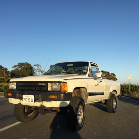 toyota tacoma pickup truck 1985 white for sale jt4ln68d3f5002166 1985 toyota deluxe pickup. Black Bedroom Furniture Sets. Home Design Ideas