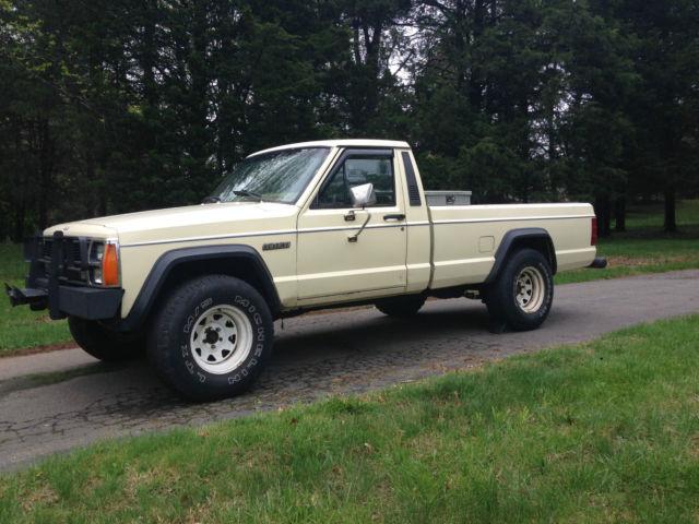 Jeep Comanche Standard Cab Pickup 1986 Tan For Sale