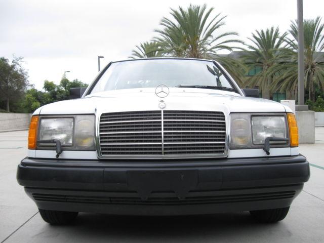 Mercedes benz 300 series sedan 1986 white for sale for Mercedes benz 1986 e300