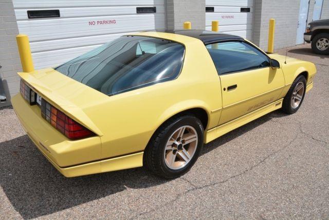 chevrolet camaro hatchback 1987 yellow for sale. Black Bedroom Furniture Sets. Home Design Ideas