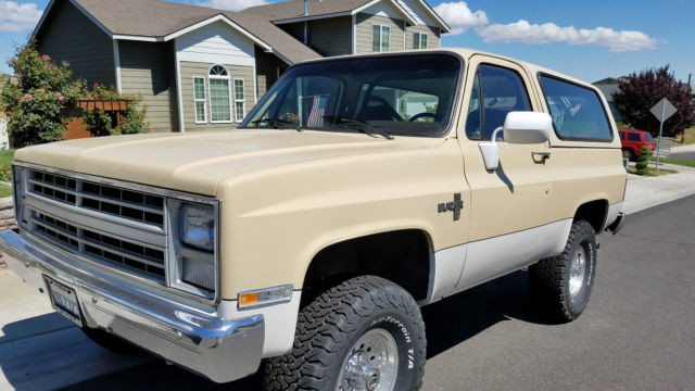 chevrolet blazer 1987 tan white for sale 1gnev18h8hf147450 1987 chevy blazer k5 4x4 new. Black Bedroom Furniture Sets. Home Design Ideas