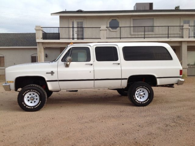 chevrolet suburban suv 1987 white for sale 1gnev16k5hf124898 1987 chevy suburban 4x4. Black Bedroom Furniture Sets. Home Design Ideas