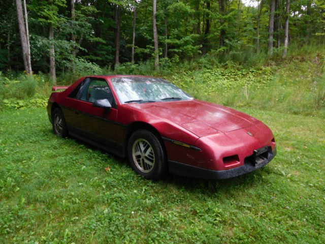 Pontiac Fiero Coupe 1987 Burgundy For Sale 1G2PF119XHP204862 PONTIAC FIERO SE V6 RARE ONLY 3875 PRODUCEDMAINTENANCE RECORDS SUMMER CAR