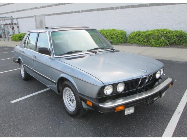 bmw 5 series sedan 1988 blue for sale wbadk7308j9832471 1988 bmw 528e 5 speed manual runs and. Black Bedroom Furniture Sets. Home Design Ideas
