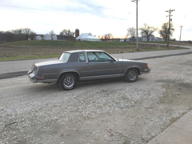 Oldsmobile Cutlass Coupe 1988 Gray For Sale 2g1fp22g6w2126567 Supreme Survivor 40000 Original Miles