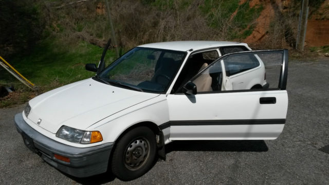 Honda Civic Hatchback 1988 For Sale. JHMED6450JS016867 1988 Honda Civic DX  Hatchback 3 Door 1.5L