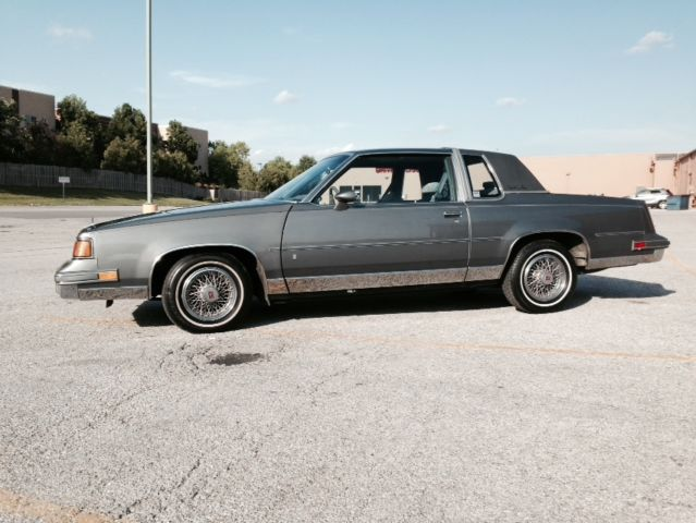 1988 Oldsmobile Cutlass Supreme Classic Coupe 2 Door 50L 40000 Original Miles