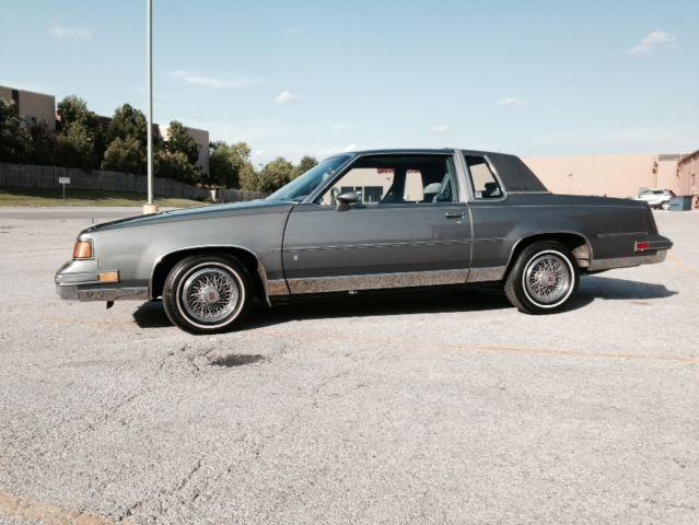 1988 Oldsmobile Cutlass Supreme Classic Coupe 2 Door 50L 40000 Original Miles