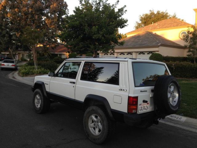 jeep cherokee suv 1989 for sale 1j4fj27l8kl492680 1989 jeep cherokee xj sport 2 door 4 0l 4wd. Black Bedroom Furniture Sets. Home Design Ideas