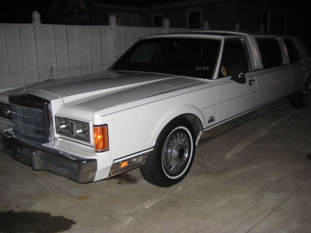 Lincoln Town Car Limousine 1989 White For Sale