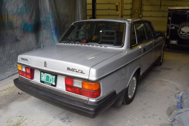 volvo 240 sedan 1990 silver for sale yv1aa8840l1407722 1990 volvo rh findclassicars com 1990 volvo 240 dl manual Volvo 240 Manual Knob