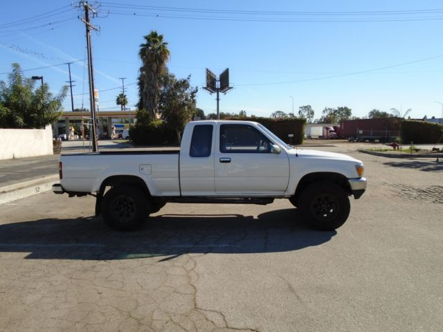 Toyota Other Extended Cab Pickup 1991 White For Sale