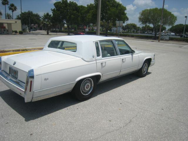 Cadillac Brougham Sedan 1992 For Sale. 1g6dw54e0nr702408