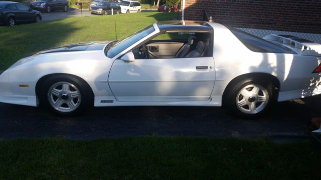 Chevrolet Camaro Coupe 1992 Aztec white For Sale