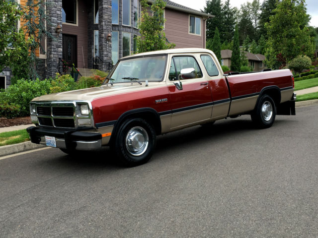Dodge Ram 2500 Extended Cab Pickup 1992 Gold And Burgundy