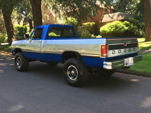 dodge ram 2500 standard cab pickup 1992 blue silver center for sale 1b7km26c6ns602424 1992. Black Bedroom Furniture Sets. Home Design Ideas